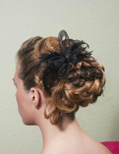 Peinados para novias e invitadas 19