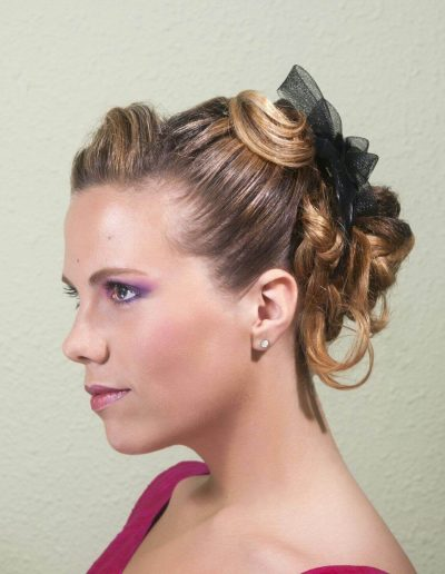 Peinados para novias e invitadas 18